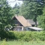 Cieślin - Pozostałość po budynku, w którym funkcjonował młyn w Pustkach