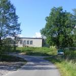 Cieślin - Widok na Wiejski Dom Kultury od strony ulicy Stawowej
