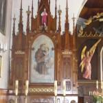 Lewy boczny ołtarz z obrazem św. Antoniego