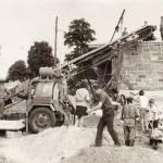 Budowa Domu Ludowego - zalewanie stropu betonem - 1968 r. (4).