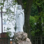 "ks. M. Dubiel - ""Rzeźba Matka Boska"" [Poręba Dzierżna - rejon plebanii]"